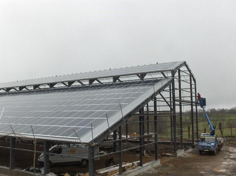 Hangar avec toiture Photovoltaïque