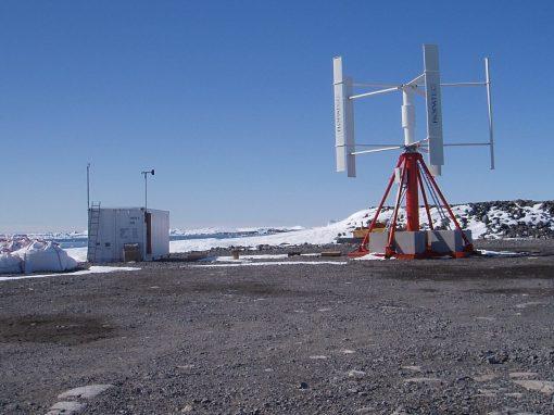 Installation et mise en service d'équipements à la base Dumont d'Urville, Antarctique